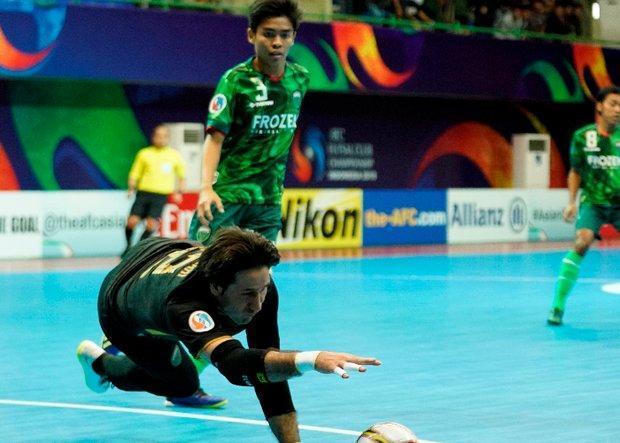 صعود واموس اندونزی با مربی و دروازه بان ایرانی