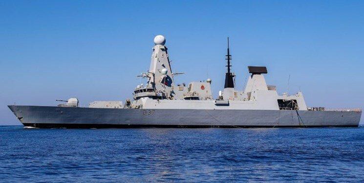 ناوشکن نیروی دریایی انگلیس از تنگه هرمز خارج شد