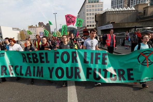 پلیس لندن 150 عضو جنبش شورش انقراض را بازداشت کرد