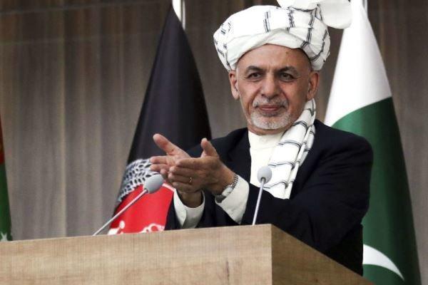 اشرف غنی: رفتار طالبان با نشست رهبرانشان در دوحه تعارض دارد