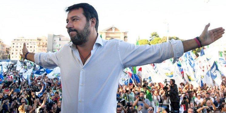 برلوسکونی ایتالیا را به هم ریخت