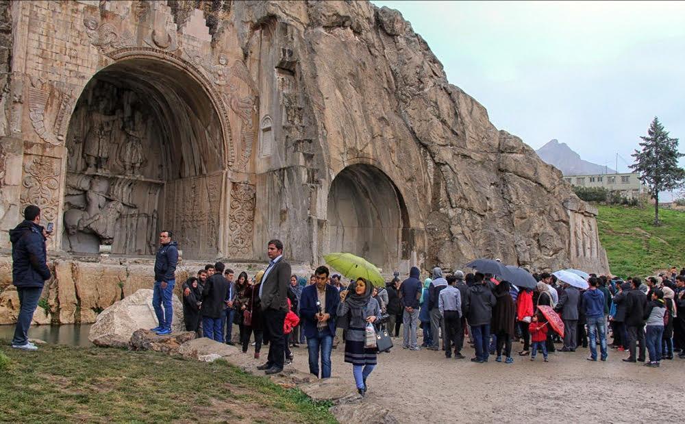 نیم میلیون نفر از محوطه های تاریخی کرمانشاه بازدید کردند، ورود 80هزار گردشگر عراقی از مرز خسروی
