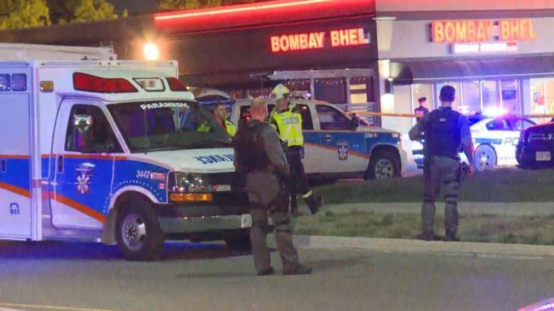 انفجار بمب در کانادا 15 کشته برجای گذاشت ، وضعیت 3 نفر از زخمی ها وخیم است ، دو متهم حادثه گریختند