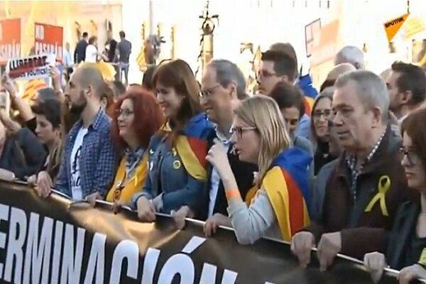 استقلال طلبان کاتالونیا بزرگراه اسپانیا به فرانسه را مسدود کردند