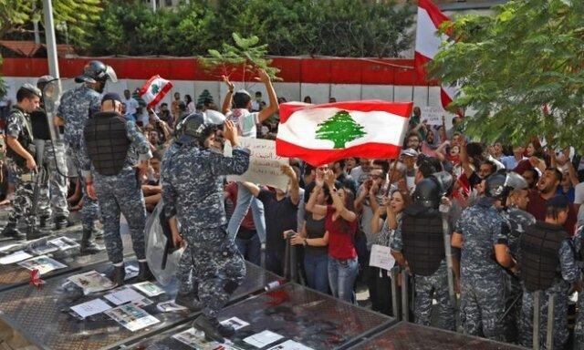 معترضان لبنانی بار دیگر مسیرها را بستند