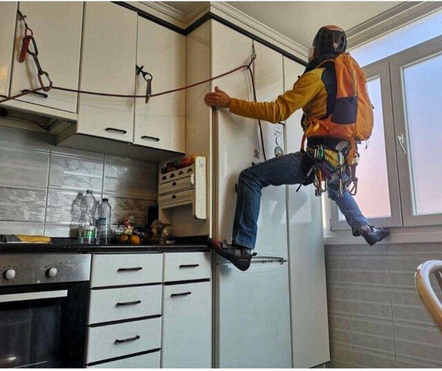 صعود کوهنوردان در آشپزخانه!