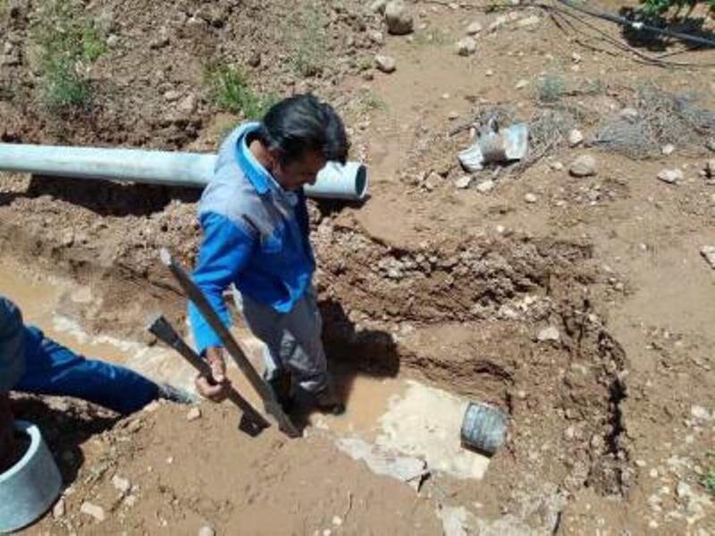 خبرنگاران بخشدار مرکزی اهواز: شکستگی خط لوله جهت روستای ام الطمیر ترمیم شد