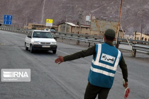 خبرنگاران 817 دستگاه خودرو از جاده های خراسان رضوی برگردانده شد