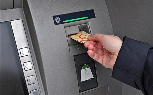 توصیه های کرونایی؛ ازتماس مستقیم دست با پنل عابر بانک خودداری کنید