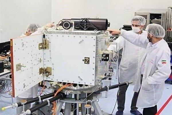 استفاده از شبیه ساز ماهواره ای بومی در ماهواره های ناهید2 و پارس1
