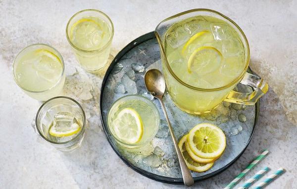 طرز تهیه 7 نوشیدنی خنک تابستانی برای فرار از گرما