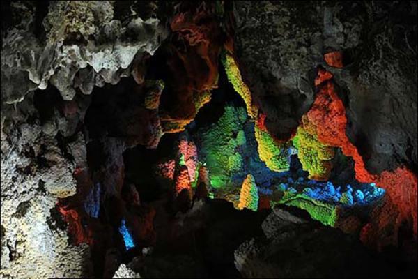 غار چال نخجیر؛ از زیباترین غارهای دنیا، تصاویر
